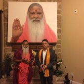 Famous Indian Guru, healer and musician, Sri Ganapathy Sachchidananda Swamiji and Ross Rossin at Hanuman Temple, Fresno, Texas